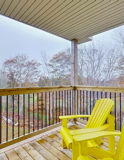 quarterdeck resort - hilltop room patio