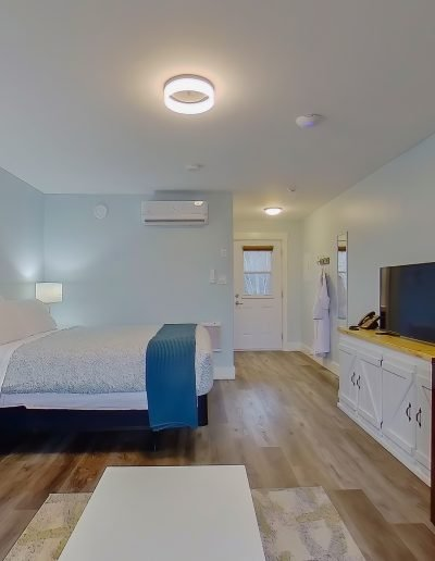 quarterdeck resort - hilltop room